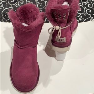 Ugg boots with lace-back bow